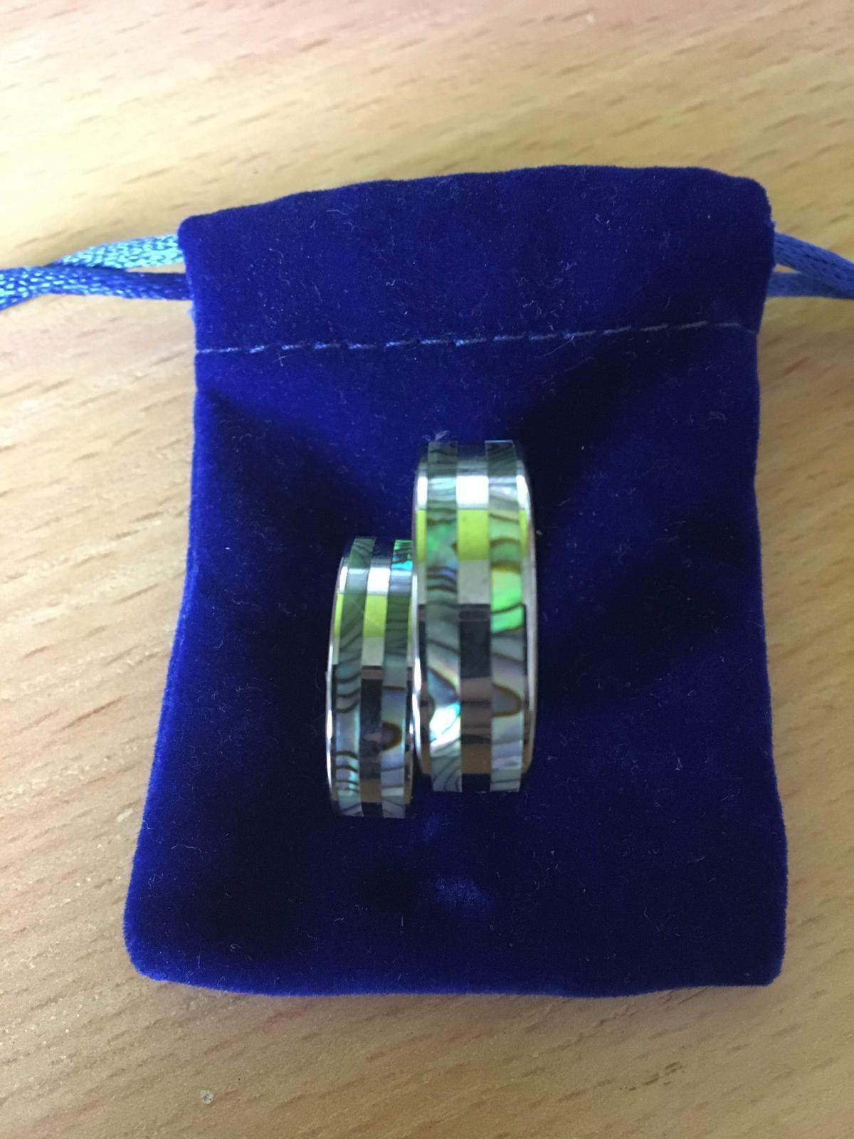 Snubní prsteny s perletí - Obrázek č. 1
