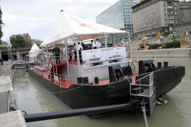 Petra Paálová{{_AND_}}Andreas Cretnik - ponton vo Viedni