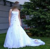 šaty s aplikáciami kvetov, 38