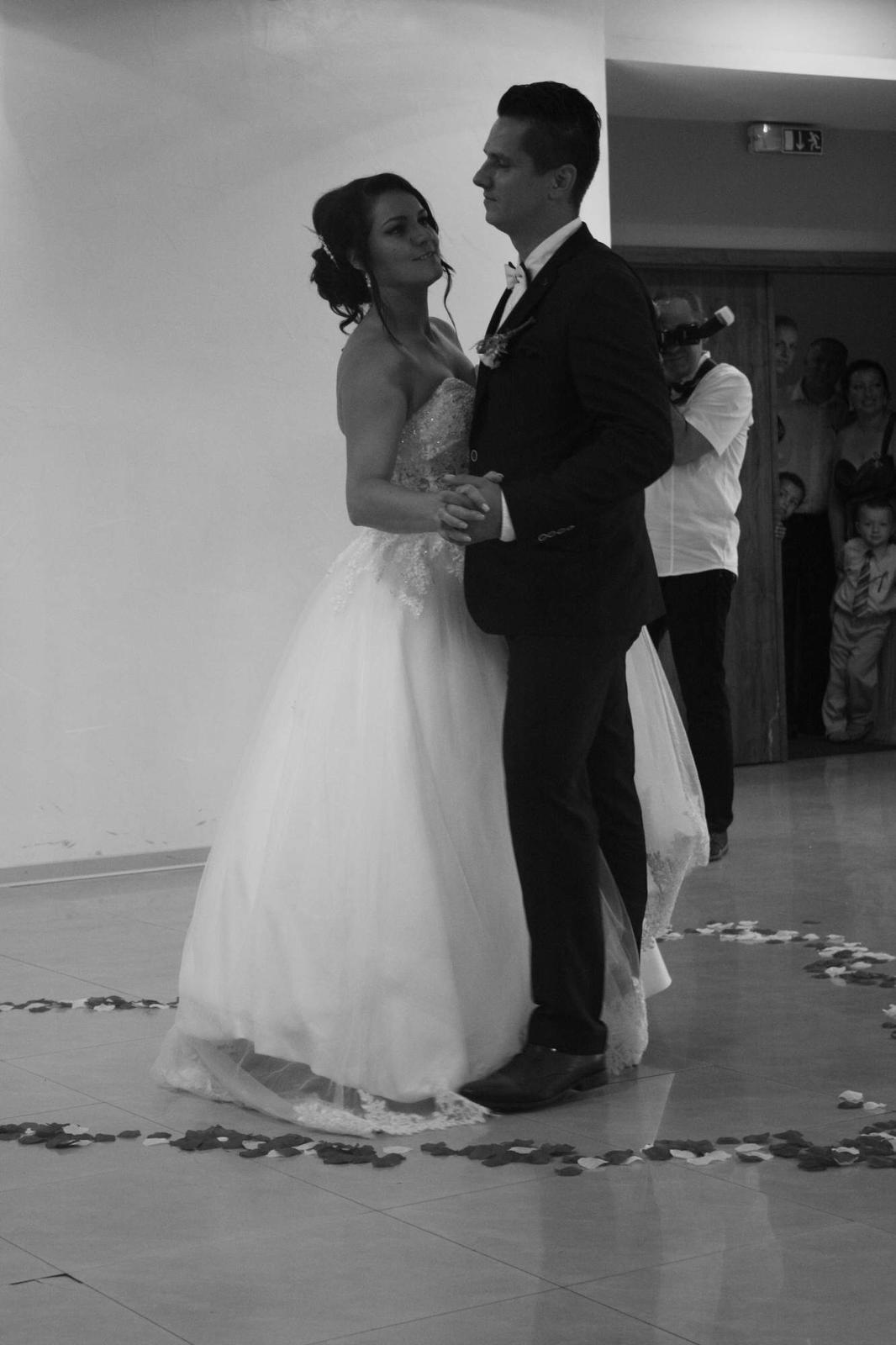 Zuzana{{_AND_}}Kalif - prvý svadobný tanec