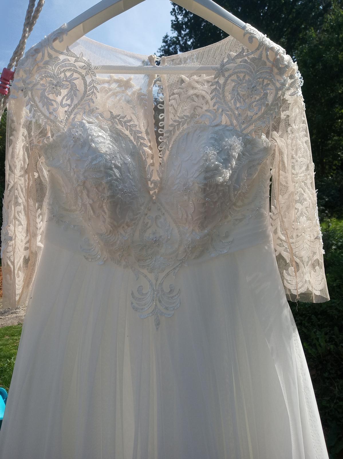 Lehké svatební šaty vel. 36 až 42 - Obrázek č. 1