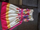 Kvetované šaty, M