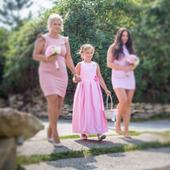 Růžové šaty pro drůžičky,