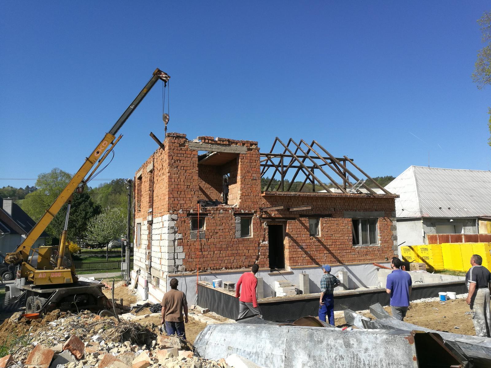 Rekonštrukcia veľmi starej stavby :) - Začíname deň D