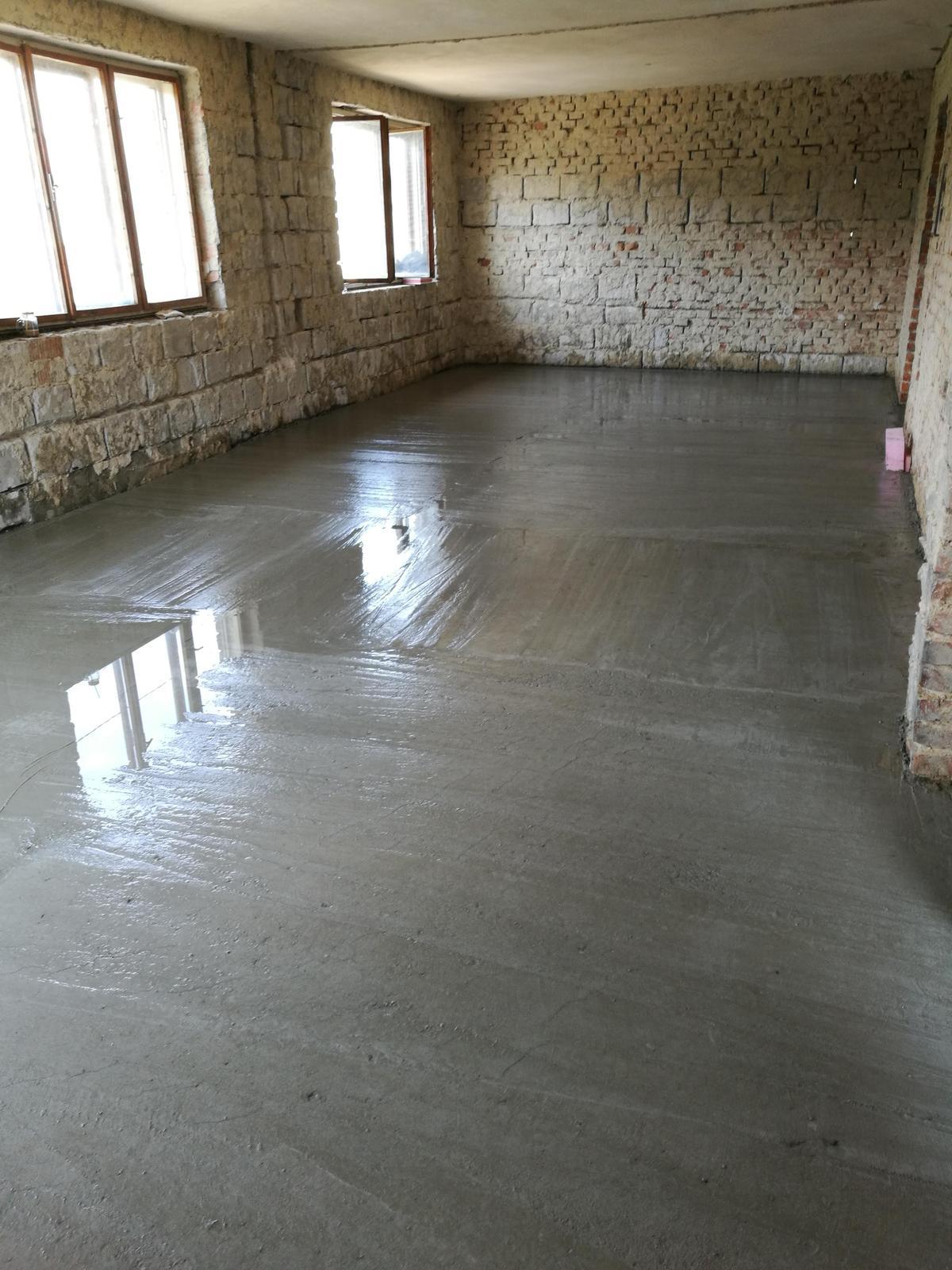 Rekonštrukcia veľmi starej stavby :) - Keď si polievaš vlastný dom...