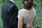 Něžné šaty pro drobnou nevěstu šité na míru, 34