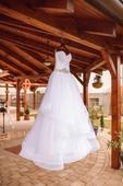 Romantické snehovo-biele šaty, 38