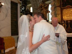 Náš první manželský polibek
