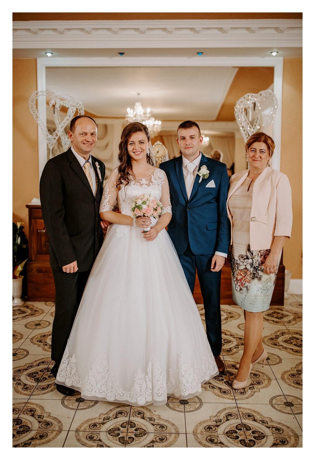 Svadobné šaty na predaj - Obrázok č. 2