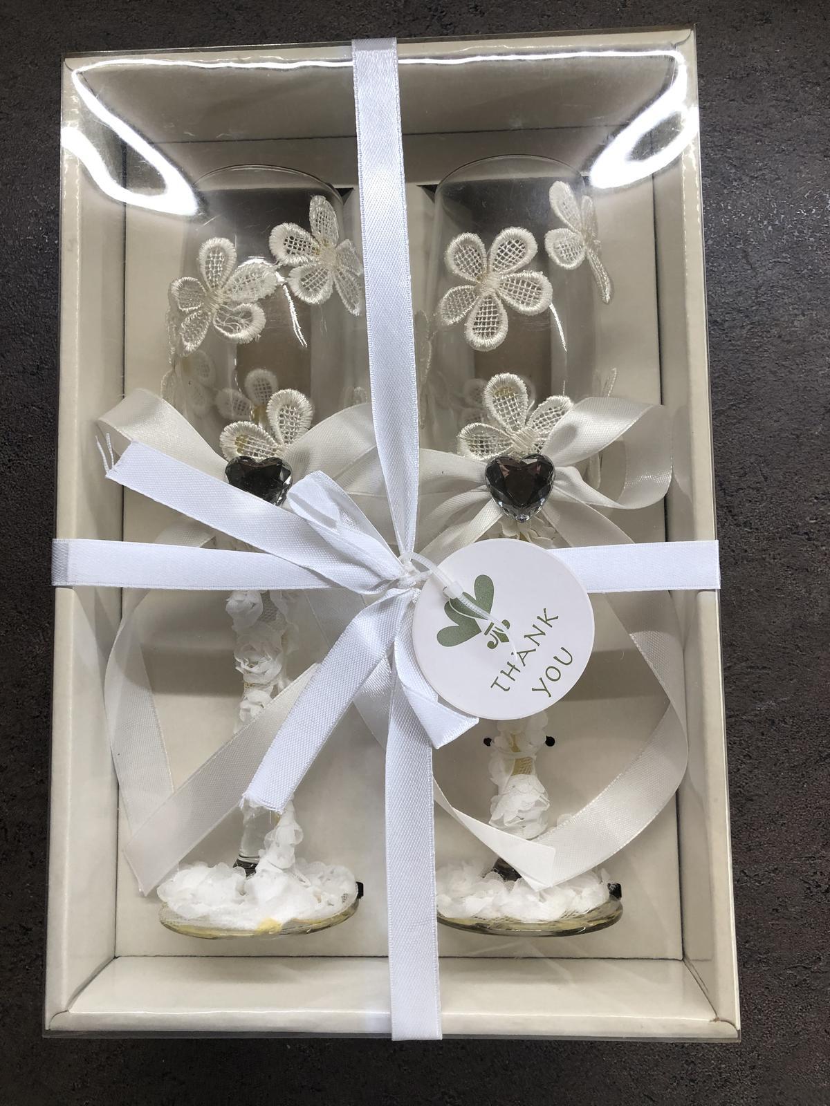skleničky pro nevěstu a ženicha - nové - Obrázek č. 1