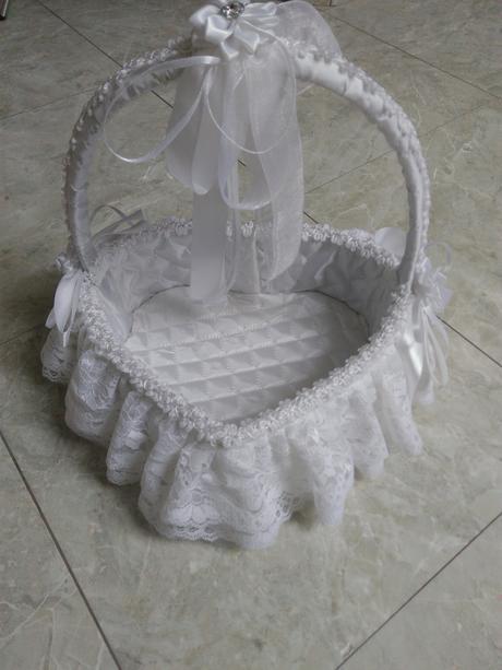Košíček pro družičku bílý ve tvaru srdíčka - Obrázek č. 1