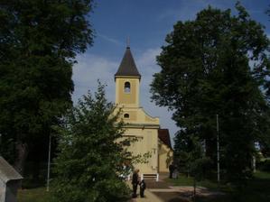 Kostolík v deň svadby