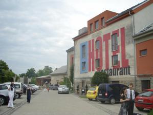Hotel Mlyn, Zavar
