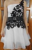 Bílé šaty s krajkou, 34