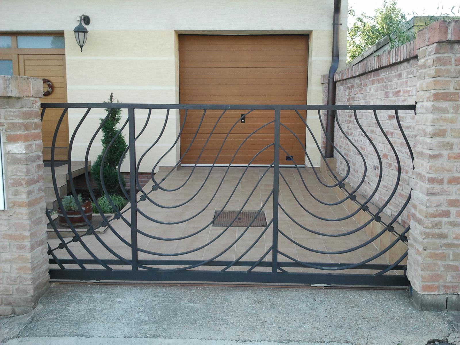 Brány, branky a ploty - Vjazdová brána, umelecké zámočníctvo