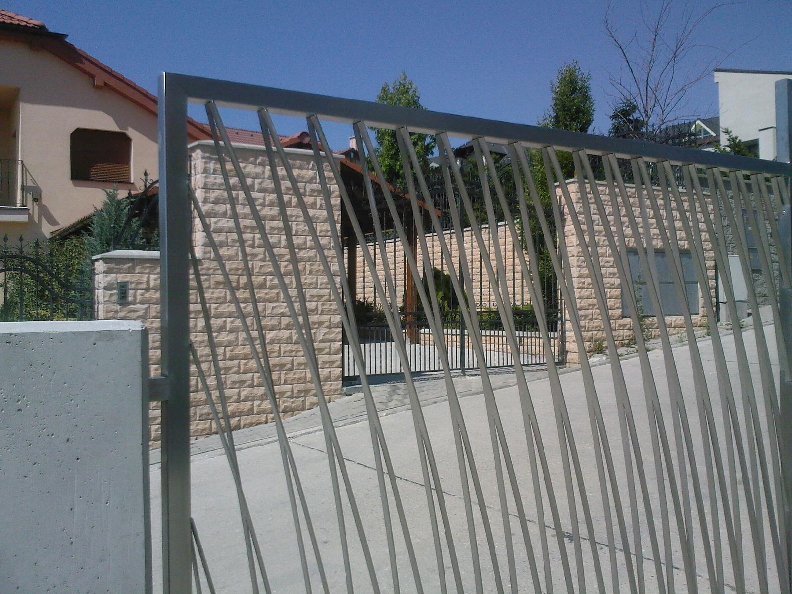 Brány, branky a ploty - Antikorová brána