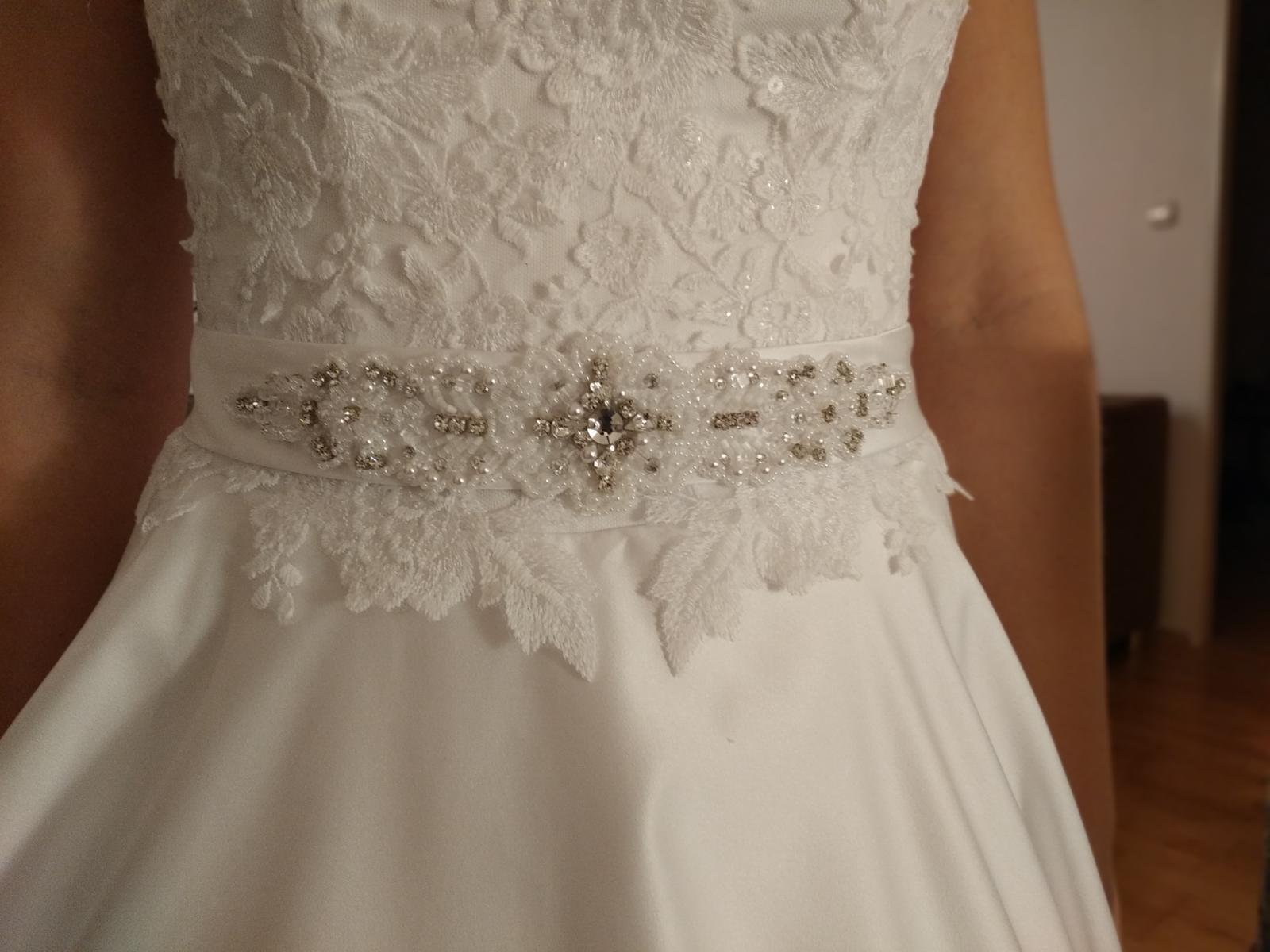Svadobné saténové šaty - Obrázok č. 4