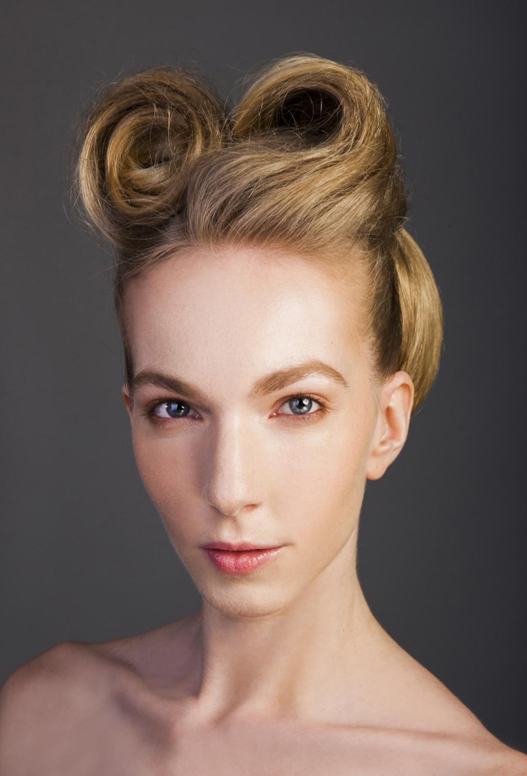 mornstlu - Make-up a vlásky