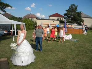 ..jdu házet kyticí-hurá,příští rok jdu na svatbu-snad :o)