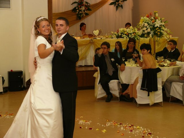 Janka Strenkova{{_AND_}}Michal Rabatin - prvy  mladomanzelsky  tanec