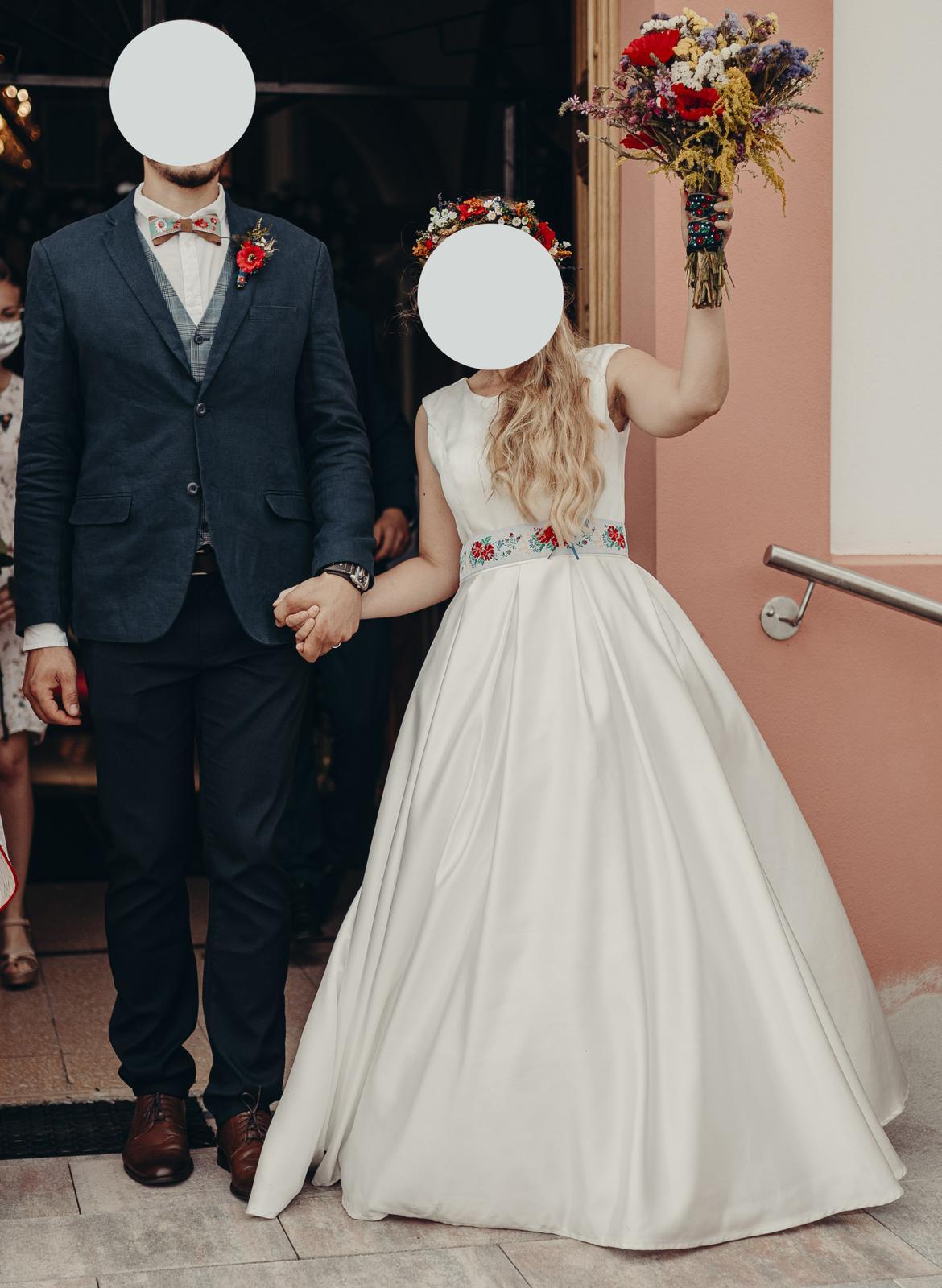 Jednoduche svadobne saty 36 - Obrázok č. 4