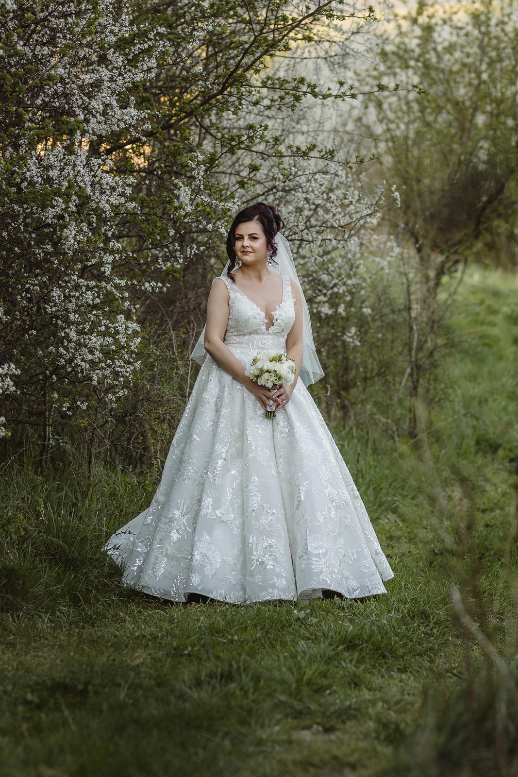 Svadobné šaty iwory - Obrázok č. 1