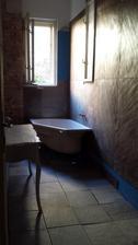 rozlozili sme dlazbu..sprchovy kut bude len vyspadovany