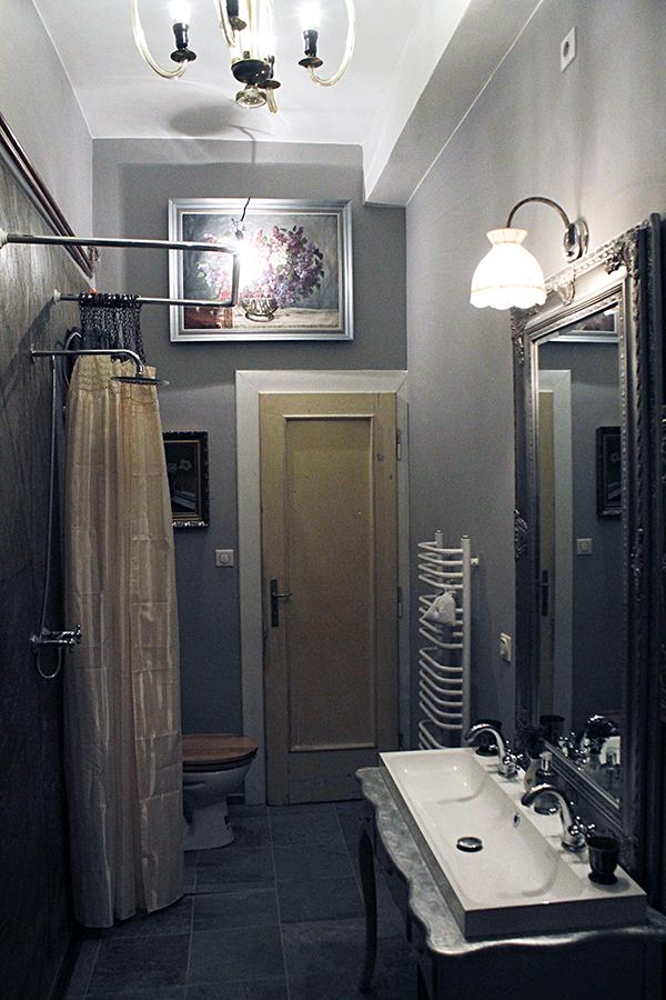 Rekonštrukcia bytu v národnej kultúrnej pamiatke - naša malá-veľká kúpeľňa - šírka 1,6m x dĺžka 4m