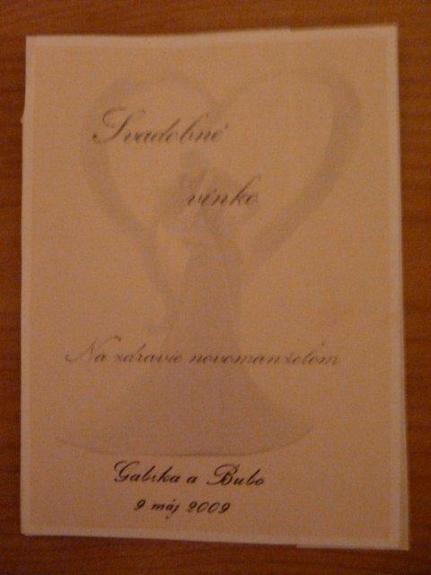 Gabika a Bubo - 9.máj 2009 - a na vínko (lepšie to nešlo odfotiť) ...