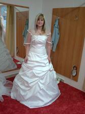 mé první zokušení šaty č.1