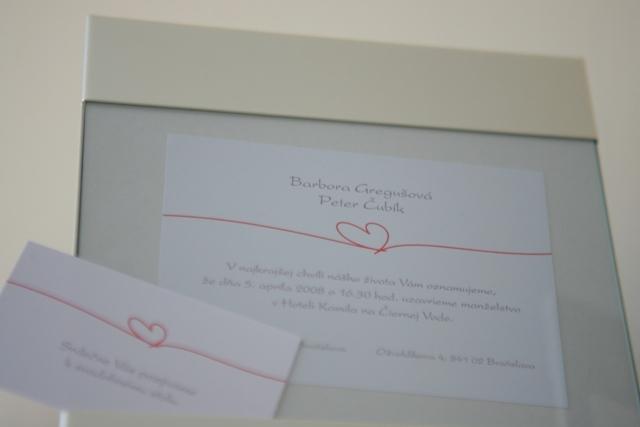 Detaily svadbicky - oznamko s pozvankou k stolu