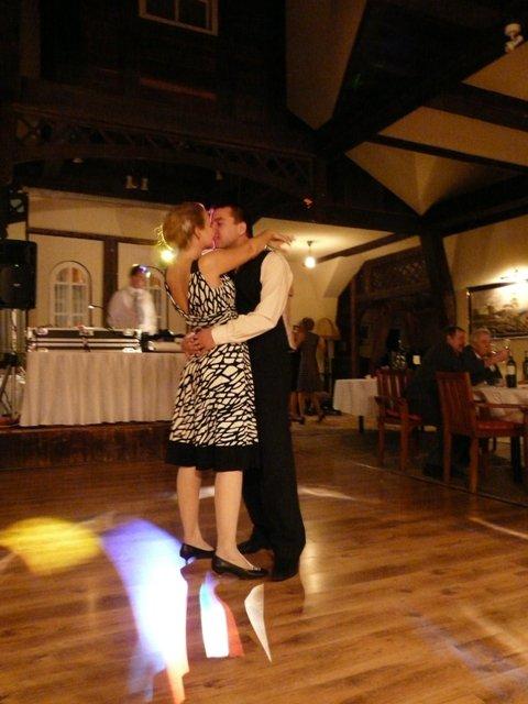 Detaily svadbicky - popolnocne satocky....nas spolocny tancek...