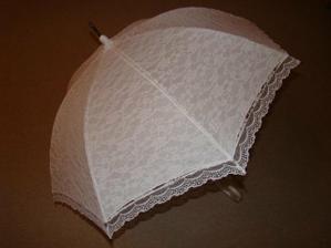 Krajkový děštník na focení