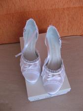Konečně, moje vysněné boty už jsou doma . - )))