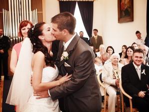 druhý novomanželský polibek, proč ne . - )))
