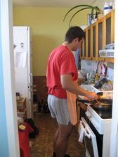 Kuchyně, otřesná, hnusná, hrozná, už se těším na moji novou krásnou.