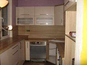 Moje nádherná kuchyně, skoro hotová . - )))