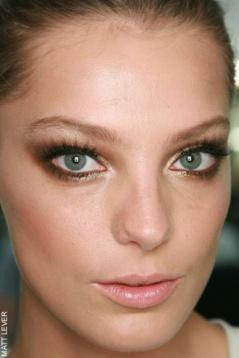 Uszaky - zlaty make up