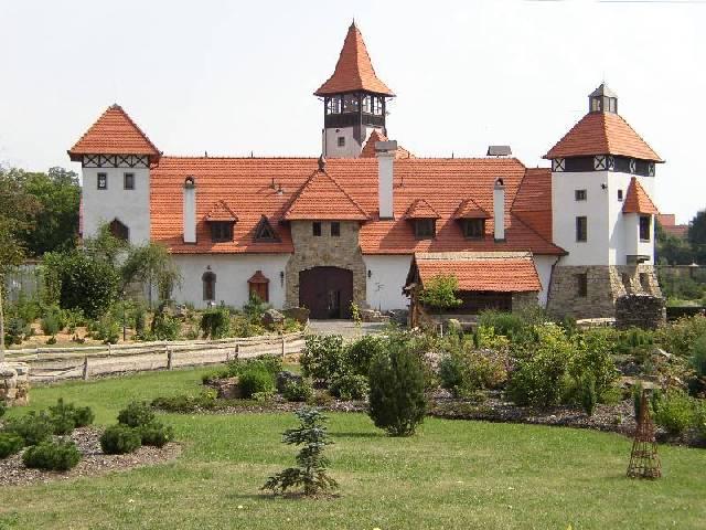Přípravy P+P na PB - druhá volba - hrad Červený Újezd - zamítnuta