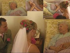 než jsme jeli na obřad, navštívili jsme moji babičku, která bohužel na svatbu nemohla ...