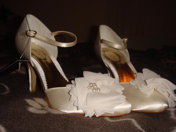 8.9.2012 - moje svadobne :)
