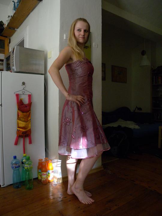 Už čoskoro - šaty na prezlečenie