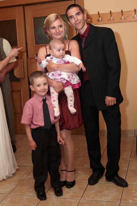 Monika Keseyová{{_AND_}}Lukáš Vach - sestra s rodinou