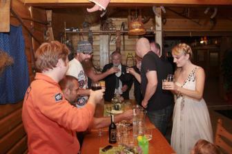 ...a slivovice sme sa napili ( mimochodom moj jediný panák za celý večer, nejak som nestíhala )