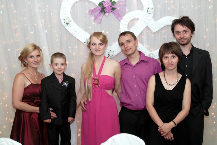 Monika Keseyová{{_AND_}}Lukáš Vach - so súrodencami