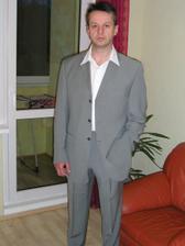 Druhá a zřejmě vítězná varianta obleku.
