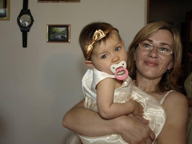 Super trojka: Zuzka, Janko a naša bombová Vaneska - Malá nevestička zladená do zlata