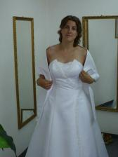 nádherně bílé šaty k zakoupení