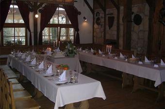 To je salónek Barbarossa -přesné místo konání hostiny.
