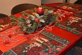 stoličky a stol z terasy... nateraz postačia :)
